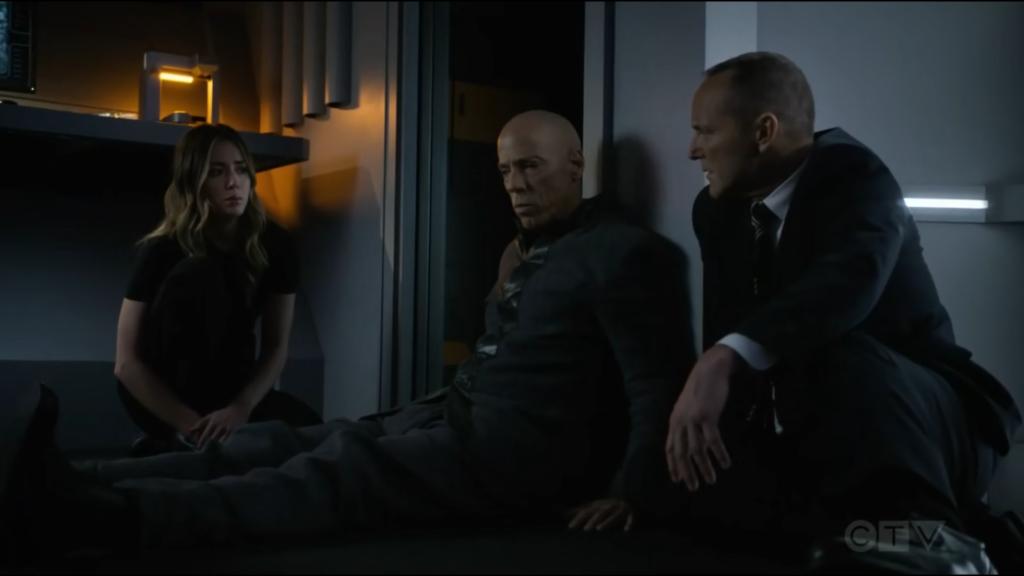 Daisy, Enoch y Coulson